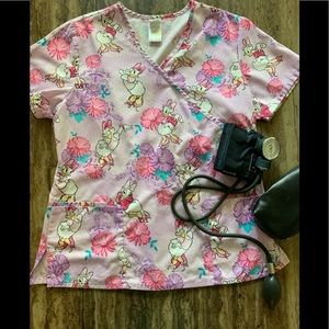 DISNEY DAISY DUCK SCRUB LAVENDER TOP SIZE M for sale
